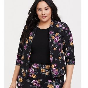 Torrid   Floral Black Cutaway Blazer